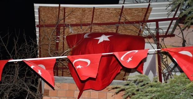 Helikopter kazasında şehit olan Astsubay Demir'in ailesine acı haber verildi