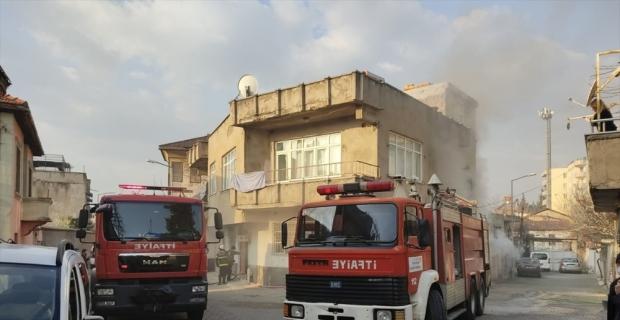 Kahramanmaraş'ta bir evde çıkan yangın söndürüldü