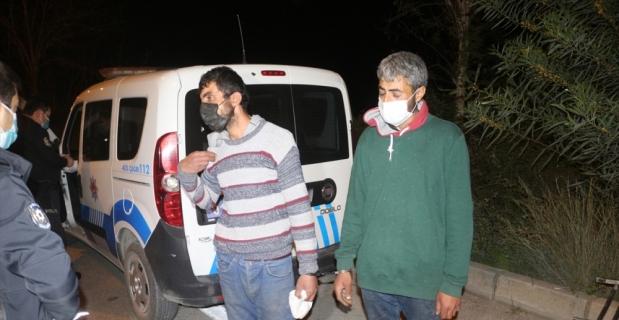 Adana'da hastane deposundan raf çaldığı iddia edilen iki hırsızlık şüphelisi gözaltına alındı