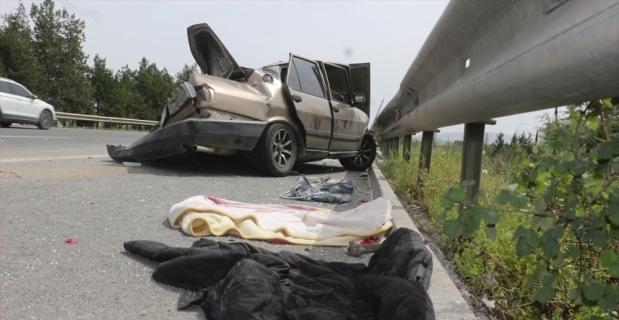 Adana'da tır ile otomobil çarpıştı: 4 yaralı