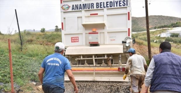 Anamur'da asfaltlama çalışması devam ediyor