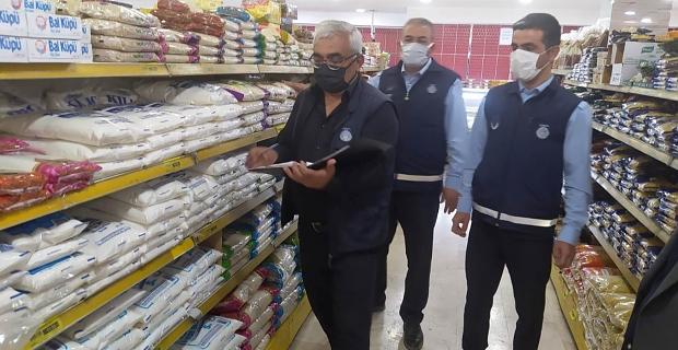 Elbistan'da market ve fırınlar denetlendi