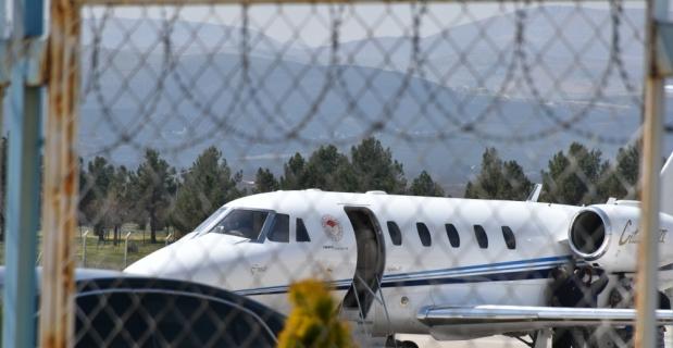GÜNCELLEME - Tarım ve Orman Bakanı Pakdemirli'nin yer aldığı uçak Malatya'ya zorunlu iniş yaptı