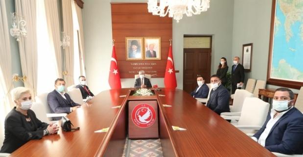 Hatay Valisi Doğan'a, Türkiye Gaziler ve Şehit Aileleri Vakfı Başkanı Aylar'dan ziyaret