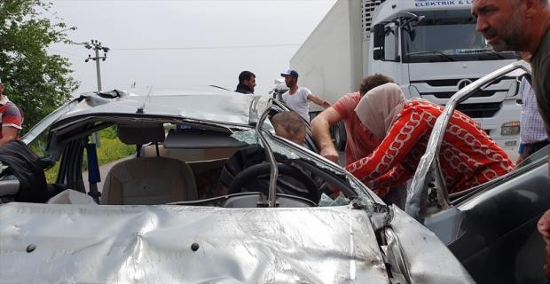 Hatay'da devrilen otomobil sürücüsü yaralandı