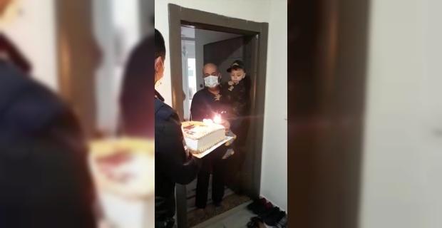 İdlib şehidinin oğluna sürpriz doğum günü kutlaması