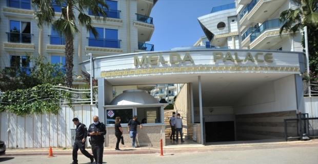 İranlı borsacı Antalya'da apart otelde ölü bulundu