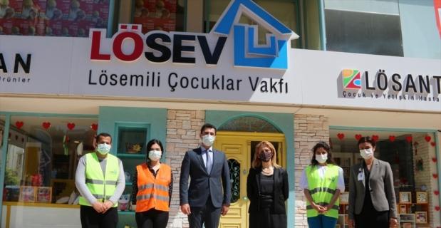 LÖSEV'in ramazan kolileri ihtiyaç sahiplerine ulaştırılıyor