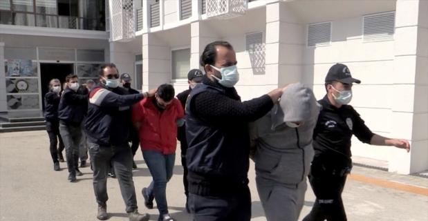 Mersin'de silahlı suç örgütüne yönelik operasyonda yakalanan 15 şüpheliden 6'sı tutuklandı