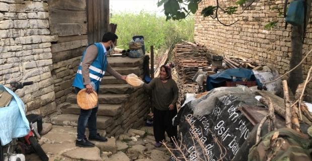 TÜGVA'dan Kozan'da ihtiyaç sahiplerine ramazan pidesi