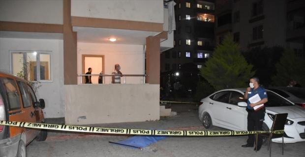 Adana'da 13. kattan düşen 12 yaşındaki çocuk hayatını kaybetti