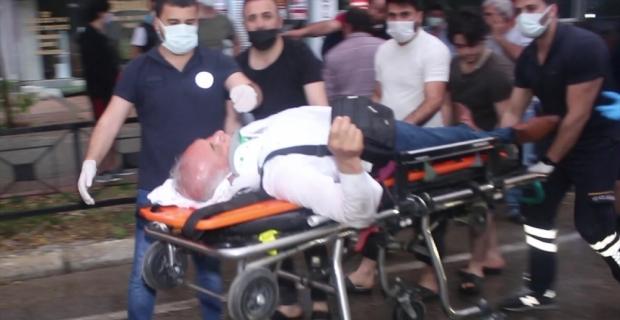 Adana'da çöp kamyonunun çarptığı kişi yaralandı