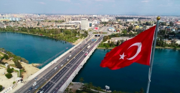 Adana'da Girne Köprüsü'nü genişletme çalışmaları tamamlandı