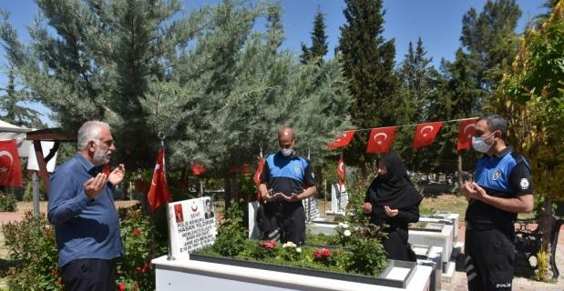 Gaziantep, Malatya, Kahramanmaraş ve Adıyaman'daki şehitliklerde hüzünlü Ramazan Bayramı arifesi