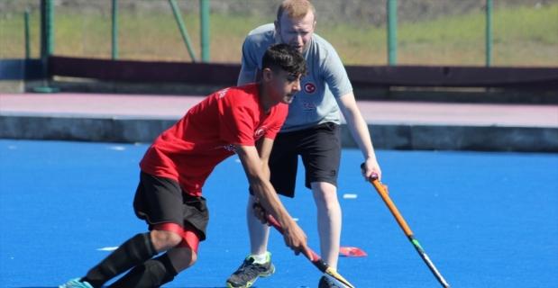 Genç milli hokeyciler gözünü Avrupa şampiyonluğuna dikti