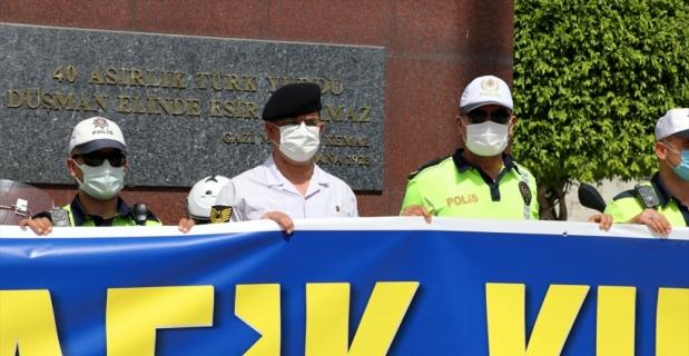 Hatay'da polis ve jandarma ekipleri Trafik Haftası dolayısıyla kortej yaptı