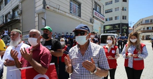 Hatay'ın Reyhanlı ilçesindeki bombalı saldırılarda hayatını kaybedenler anıldı