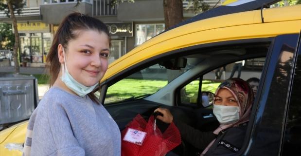 Isparta'nın kadın şoförü İsmahan Topak 'Anneler Günü'nde de yollarda