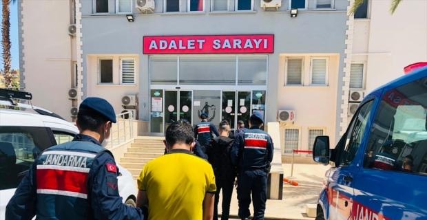 Mersin'de ikametlerden hırsızlık yaptığı belirlenen 4 şüpheli gözaltına alındı