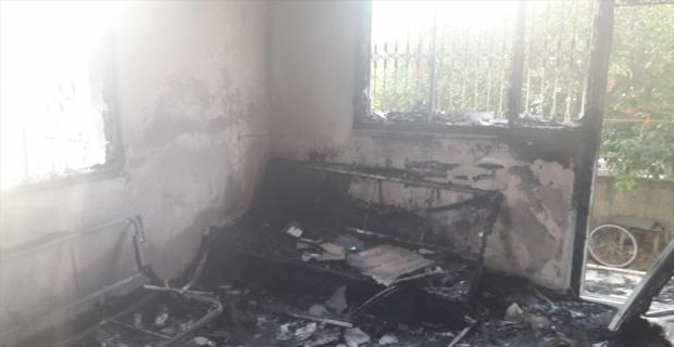 Mersin'de müstakil evde çıkan yangında bir kişi yaralandı
