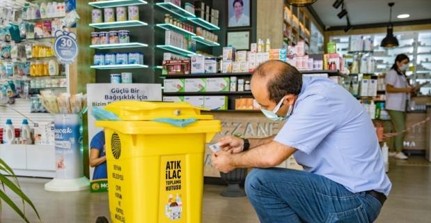 Adana'da 80 eczaneye evsel atık ilaç toplama kumbarası konuldu
