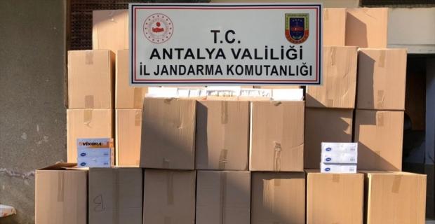 Alanya'da kaçak tütün ve makaron ticareti yaptığı iddia edilen zanlı yakalandı