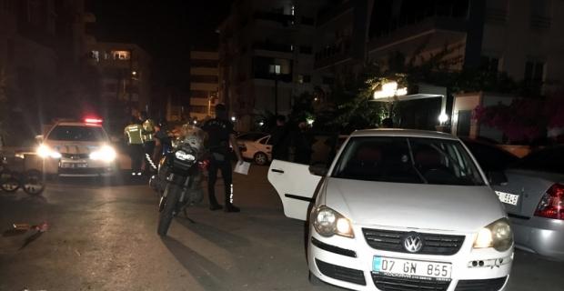 Antalya'da kovalamaca sonucu yakalanan ehliyetsiz otomobil sürücüsüne yaklaşık 10 bin lira ceza kesildi