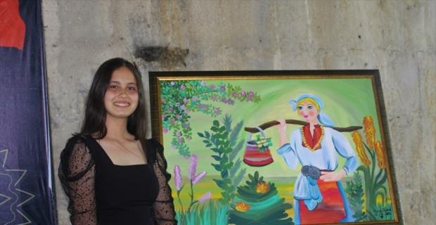 Burdur'daki tarihi Susuz Han öğrencilerin resimlerine ev sahipliği yaptı
