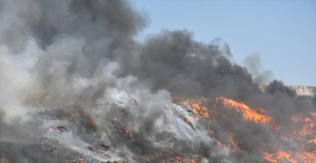 Kahramanmaraş'ta çimento fabrikasının katı atık alanında çıkan yangın söndürüldü