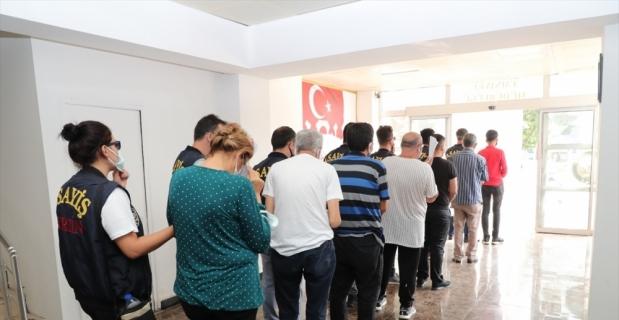 Mersin'de fuhuş operasyonunda yakalanan 7 şüpheliden 4'ü tutuklandı