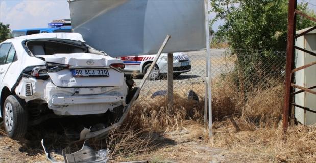 Hatay'da tanker ile otomobil çarpıştı: 2 yaralı