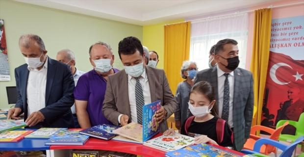 Kadirli'de yapımı tamamlanan İrfan Can Kütüphanesi hizmete açıldı