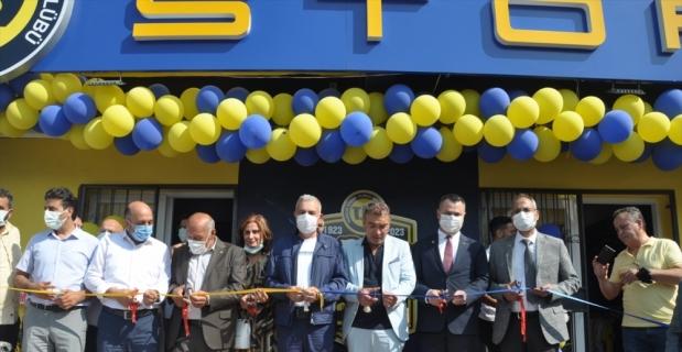 Tarsus İdman Yurdu'nun lisanslı ürün mağazası açıldı