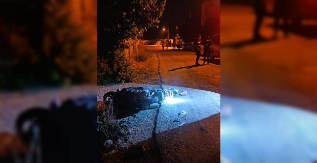 Antalya'da otomobille çarpışan motosikletin sürücüsü genç kız yaşamını yitirdi