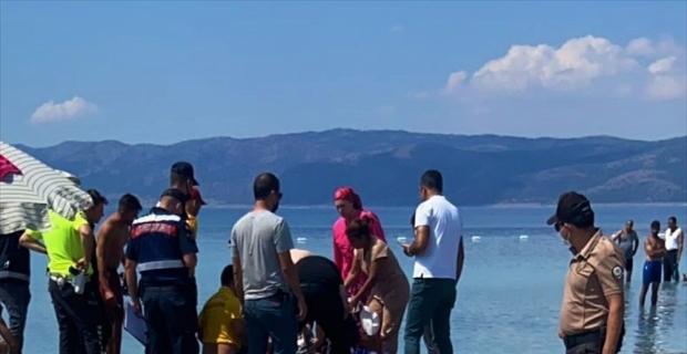 Salda Gölü'ne serinlemek için giren genç boğuldu