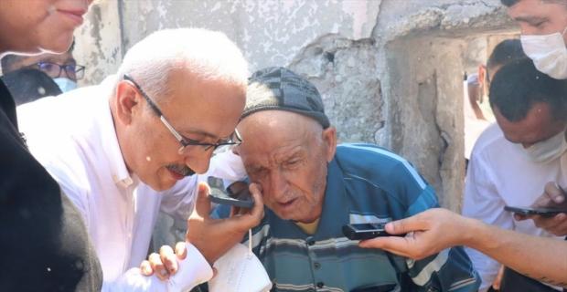 Cumhurbaşkanı Erdoğan, Mersin'deki orman yangınında evi zarar gören yaşlı kişiyle telefonda görüştü