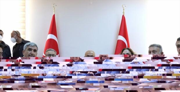 Hazine ve Maliye Bakanı Lütfi Elvan, Mersin'de orman yangınlarını değerlendirdi:
