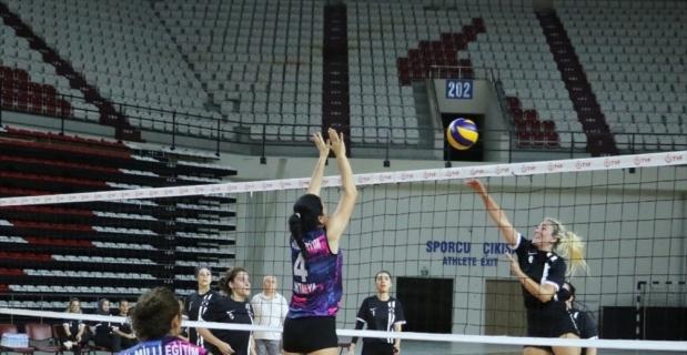 Antalya'daki kurumlar arası kadın voleybol turnuvası sona erdi