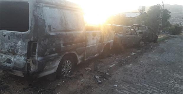 Kahramanmaraş'ta park halindeki araçlarda yangın