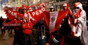 Perulu taraftar, Dünya Kupası bileti için 25 kilo almış