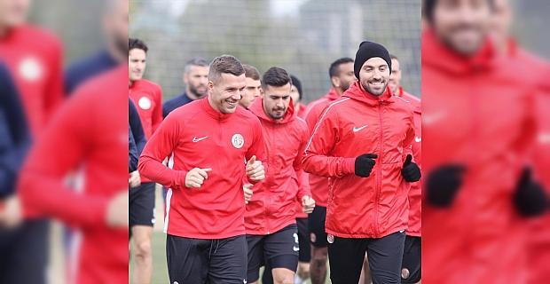 Antalyaspor, İttifak Holding Konyaspor maçı hazırlıklarına başladı