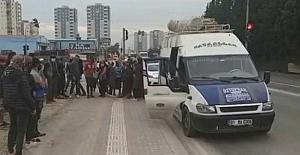 Adana'da 17 kişilik servis minibüsünde 34 işçi taşıyan sürücüye 16 bin 316 lira ceza kesildi