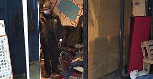 Antalya'da bir kişi iş hanında ölü bulundu