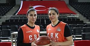 ÇBK Mersin Yenişehir Belediyespor oyuncuları ay-yıldızlı forma heyecanı yaşıyor