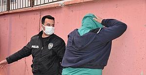 Adana'da polisten kaçmaya çalışan ehliyetsiz sürücü kovalamaca sonucu yakalandı