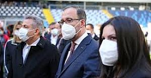 Bakan Kasapoğlu, AK Parti Adana İl Kadın Kolları 6. Olağan Kongresi'nde konuştu: