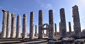 Mersin'deki Uzuncaburç Antik Kenti'nin 2 bin 300 yıllık tarihi, özel restorasyonla yansıtılacak