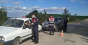 Adana'da huzur ve güven uygulamasında aranan 10 kişi yakalandı