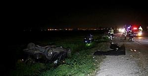 Adana'da otomobil tarlaya devrildi: 2 ölü