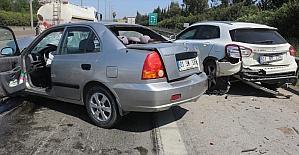 Adana'da otomobil park halindeki otomobile...